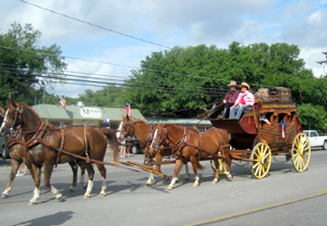 HCHC Stagecoach in Wimberley July 4 Parade